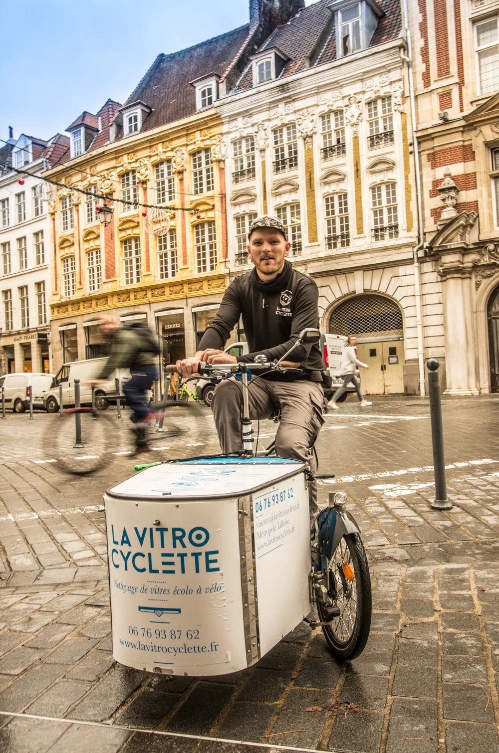 Vincent et La Vitrocyclette dans le Vieux Lille