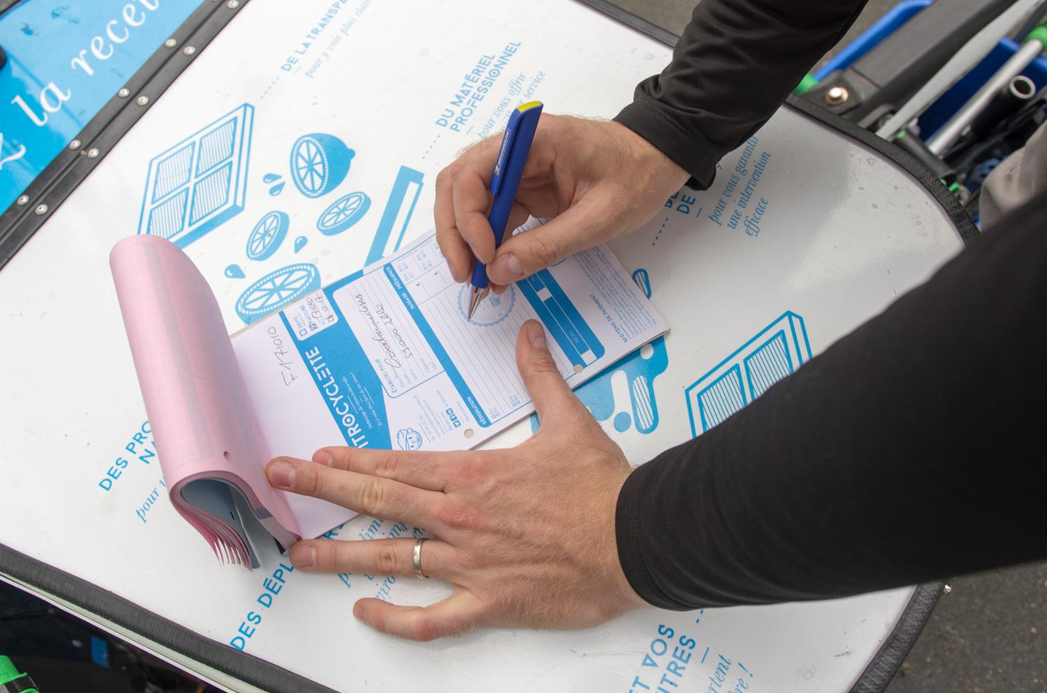 La Vitrocyclette - Devis nettoyage de vitres sur mesure offert